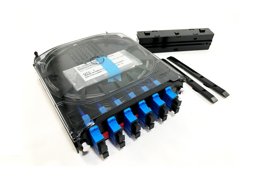 Corning CCH-CS Pigtailed Splice Cassette SC APC Duplex CCH-CS12-D9-P00RE
