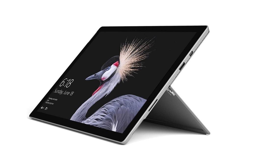 Microsoft Surface Pro 5 Core i5-7300U 2.6GHz 8GB 256GB WebCam 12.3 TouchScreen Windows 10 Pro GWP-00001