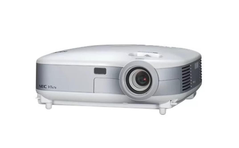 NEC VT676 XGA 1024x768 2500 ANSI Lumens Portable LCD Projector VT676